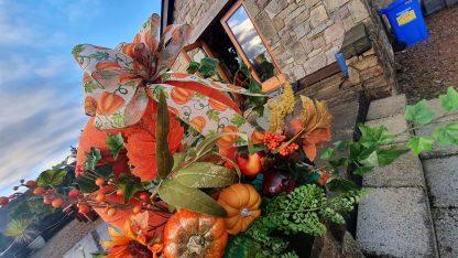 Autumnal centre piece